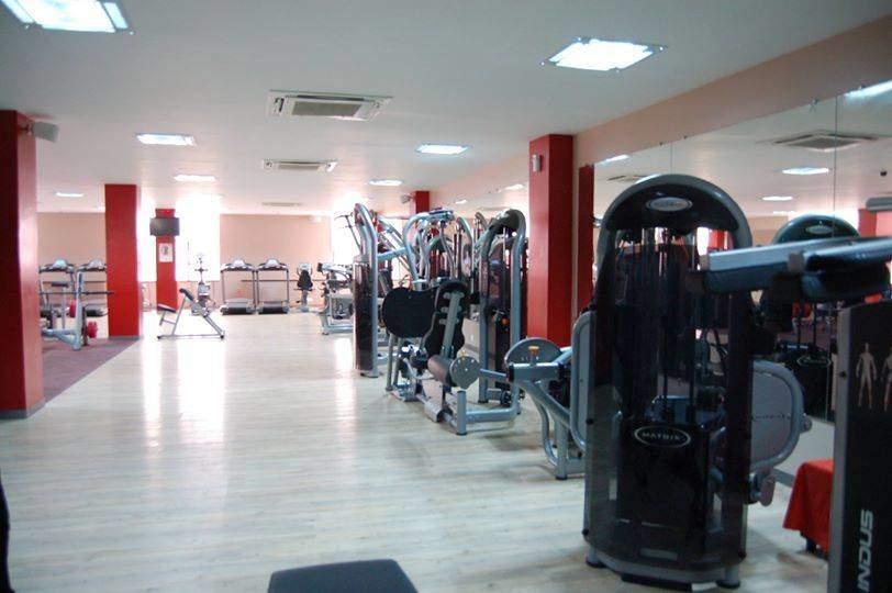 golds-gym-ramghat-road-aligarh-gyms-4gmlp1i.jpg